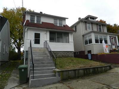 Newburgh Single Family Home For Sale: 31 Poplar Street