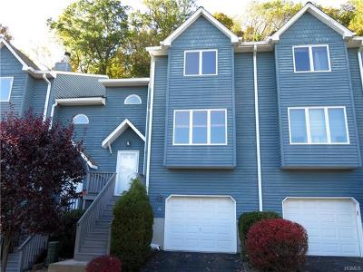 Rockland County Condo/Townhouse For Sale: 51 Village Gate Way