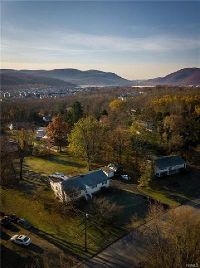 Fishkill Single Family Home For Sale: 16 West Redoubt Road