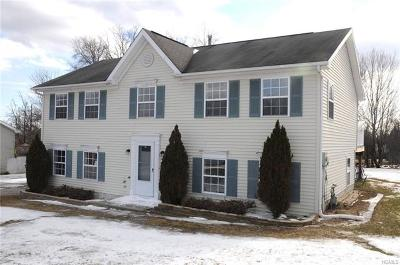 Middletown Single Family Home For Sale: 3 Sharon Drive