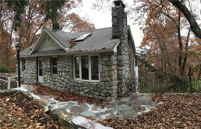 Greenwood Lake Single Family Home For Sale: 88 Blueberry Hill