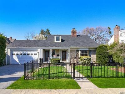 Mount Vernon Single Family Home For Sale: 15 East Devonia Avenue