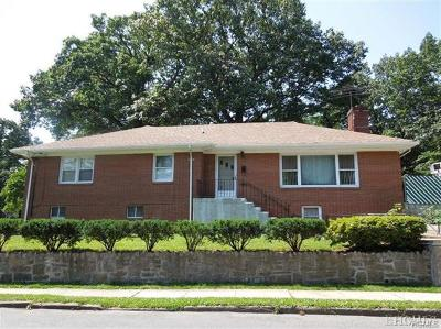 Yonkers Single Family Home For Sale: 61 Lakeside Drive