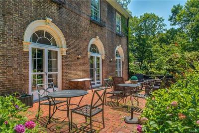New Rochelle Rental For Rent: 376 Beechmont Drive