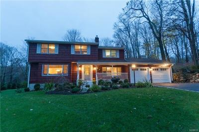 Westchester County Single Family Home For Sale: 10 Cross Pond Road