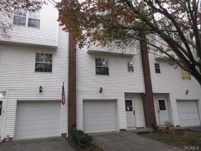 Haverstraw Condo/Townhouse For Sale: 65 Village Mill #65