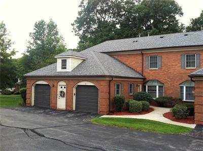 Newburgh Condo/Townhouse For Sale: 32 Westbrook Road #32