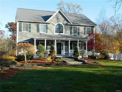 Newburgh Single Family Home For Sale: 20 Frozen Ridge Road