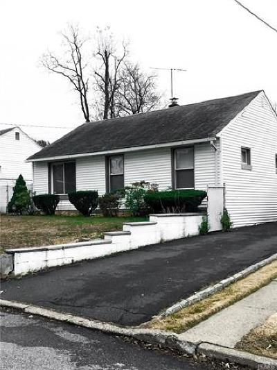 White Plains Single Family Home For Sale: 31 Maple Street
