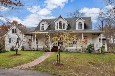 Dutchess County Single Family Home For Sale: 26 Lawrence Hill Way