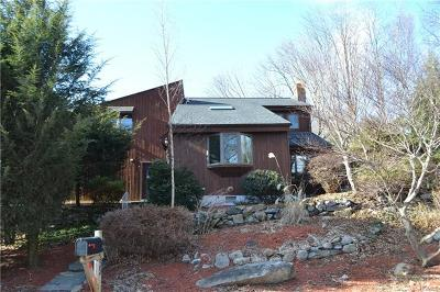 Putnam County Single Family Home For Sale: 55 Worthington Drive West