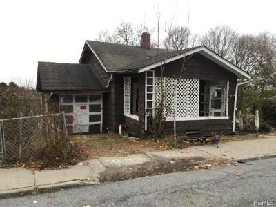 Middletown Single Family Home For Sale: 46 Beacon Street