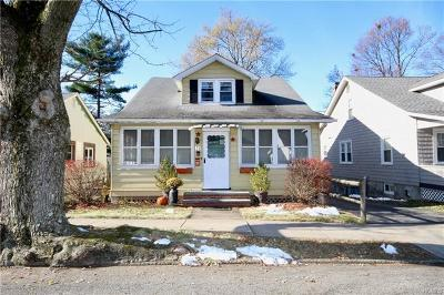 Newburgh Single Family Home For Sale: 15 Roosevelt Place