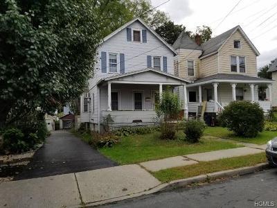 Newburgh Single Family Home For Sale: 35 Oak Street