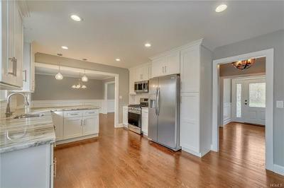 New Rochelle Single Family Home For Sale: 46 Dennis Drive