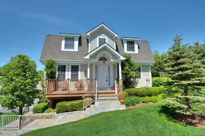 Mount Kisco Single Family Home For Sale: 28 Glassbury Court