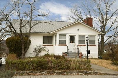 Peekskill Single Family Home For Sale: 6 Crescent Court