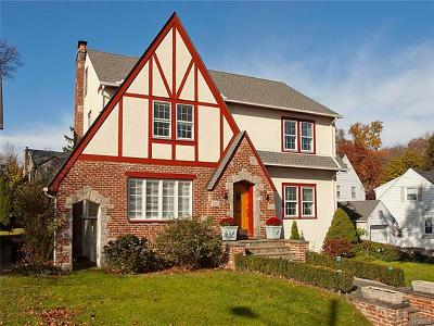 Bronxville Single Family Home For Sale: 51 Central Drive