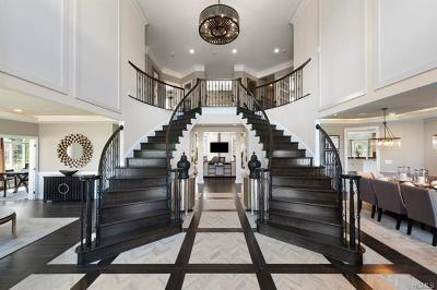 Valhalla Single Family Home For Sale: 11 Patrick Lane