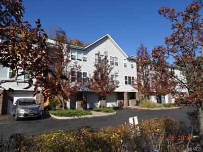 Middletown Condo/Townhouse For Sale: 109 Deer Ct Drive