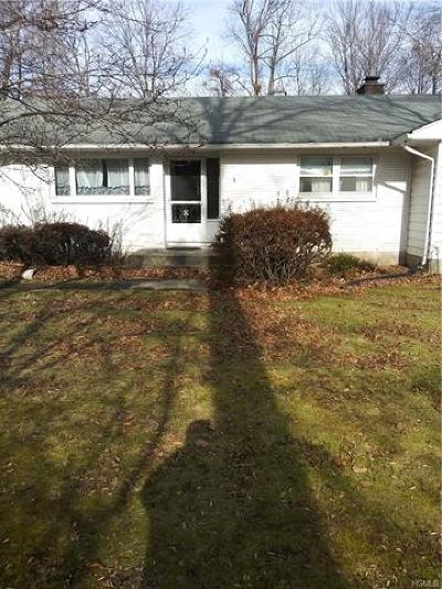 Rockland County Single Family Home For Sale: 2 Little Brook Lane