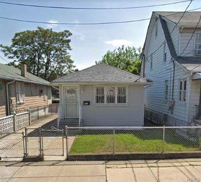 Bronx Single Family Home For Sale: 832 East 231st Street