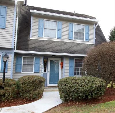 Montgomery Condo/Townhouse For Sale: 21 Wintergreen Court
