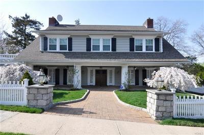 New Rochelle Single Family Home For Sale: 10 Sutton Manor (Aka Farragut Circle) Road