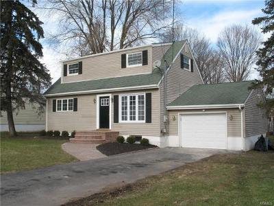 Monroe Single Family Home For Sale: 9 Ann Place