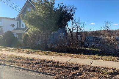 Westchester County Single Family Home For Sale: 189 Gainsborg Avenue East