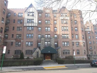 White Plains NY Co-Operative For Sale: $159,900
