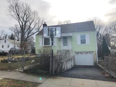 Yonkers Single Family Home For Sale: 74 Delaware Road