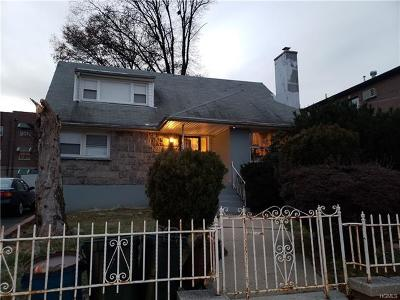 Bronx NY Single Family Home For Sale: $550,000