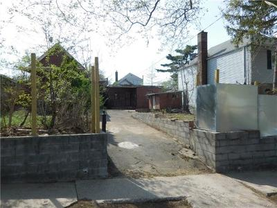 Bronx Residential Lots & Land For Sale: 2945 Tenbroeck Avenue