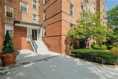 Westchester County Co-Operative For Sale: 501 Riverdale Avenue #5J