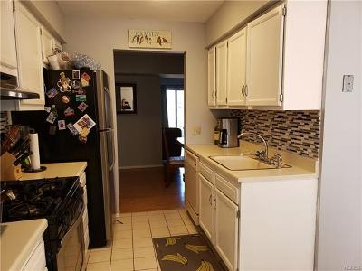 New Windsor Condo/Townhouse For Sale: 276 Temple Hill Road #707