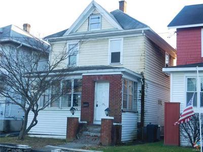 Newburgh Single Family Home For Sale: 15 Poplar Street