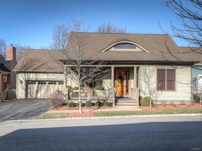 Warwick Single Family Home For Sale: 17 White Oak Street
