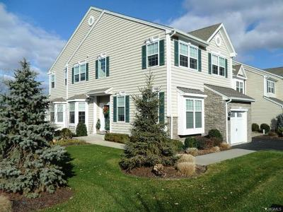 Fishkill Condo/Townhouse For Sale: 1323 Glastonbury Lane