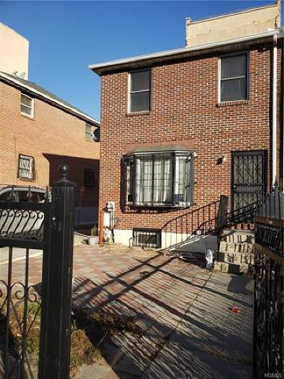 Bronx NY Single Family Home For Sale: $460,000
