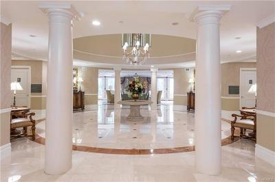Westchester County Condo/Townhouse For Sale: 407 Trump Park