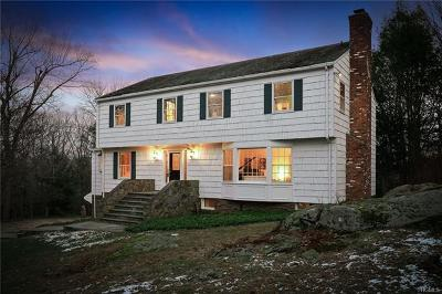 Bedford Single Family Home For Sale: 40 Upland Road South