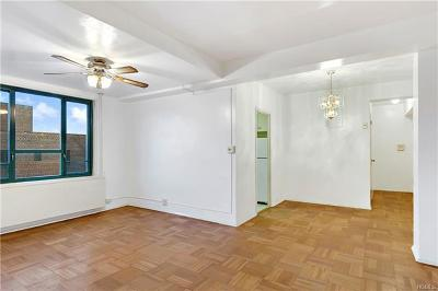 Bronx Condo/Townhouse For Sale: 2130 East Tremont #7g
