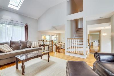 Westchester County Single Family Home For Sale: 322 Chestnut Court
