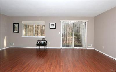 Yorktown Heights Condo/Townhouse For Sale: 160 Carriage Court #A