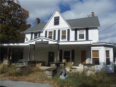Monroe Single Family Home For Sale: 160 Quaker Hill Road