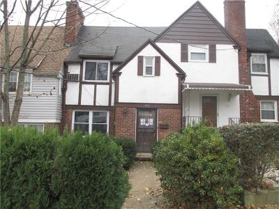New Rochelle Single Family Home For Sale: 152 Sickles Avenue