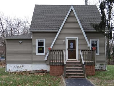Nanuet Single Family Home For Sale: 21 Cooper Drive