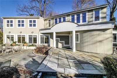 New Rochelle Single Family Home For Sale: 14 Premium Point