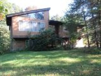 Middletown Single Family Home For Sale: 32 Wedgewood Lane